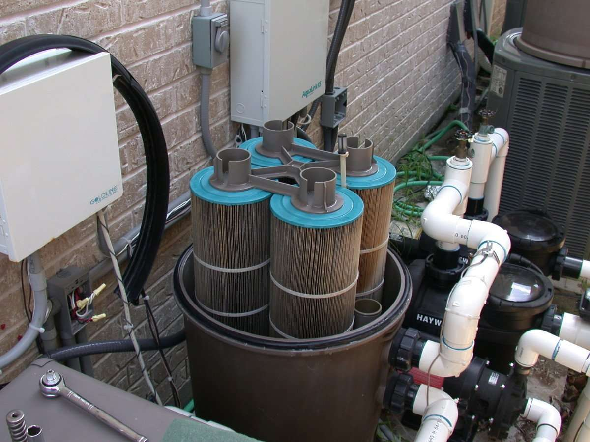 How to Select the Best Pool Filter