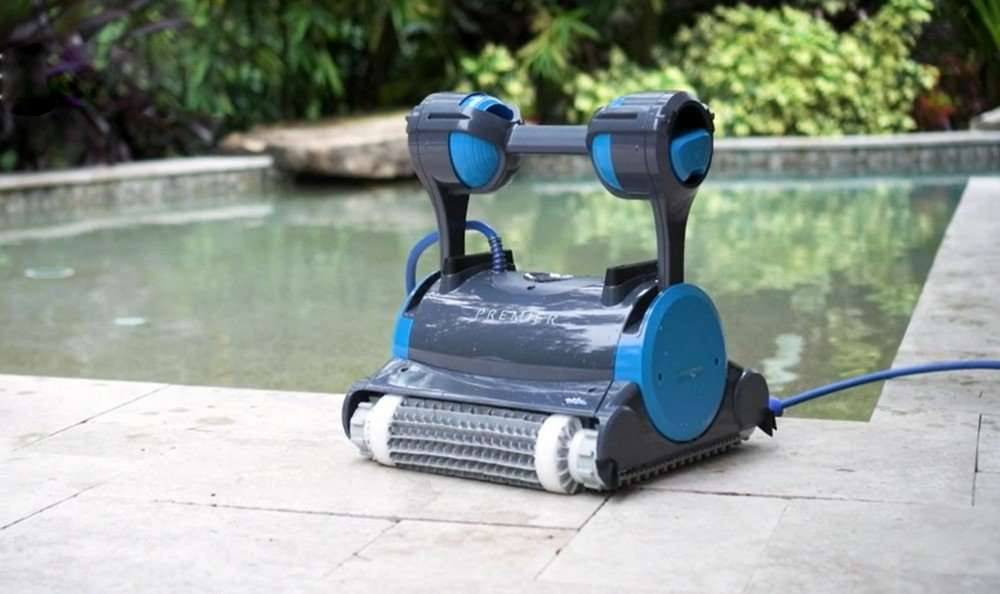 Review of the Dolphin Premier Robotic Pool Cleaner