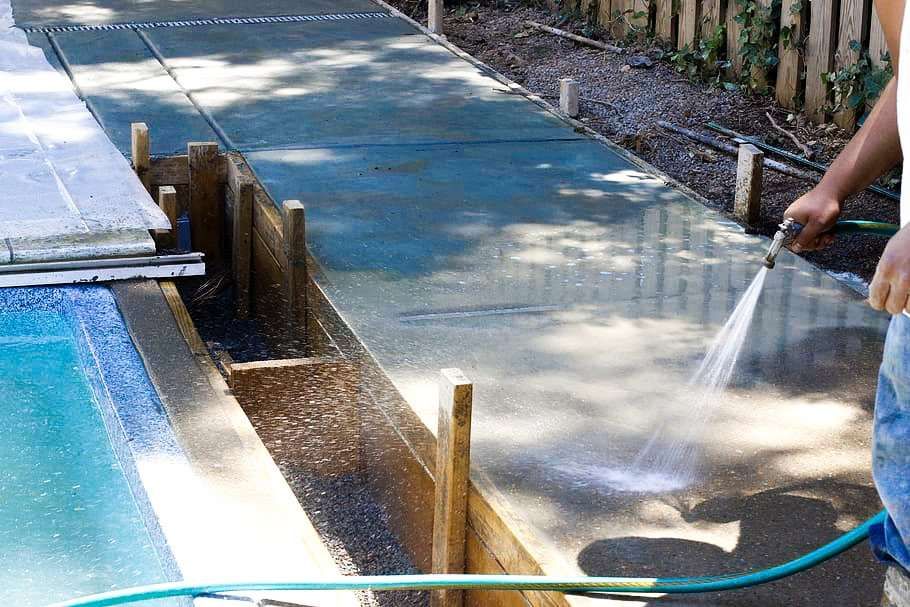 Why Leave Cleaning Of Concrete Pool Deck To Professionals ...
